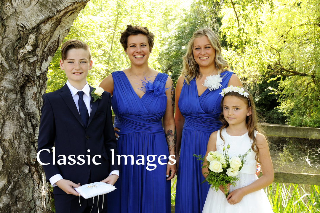 3-beautiful-wedding-photography-classic-images-surrey-shepperton-holiday-inn