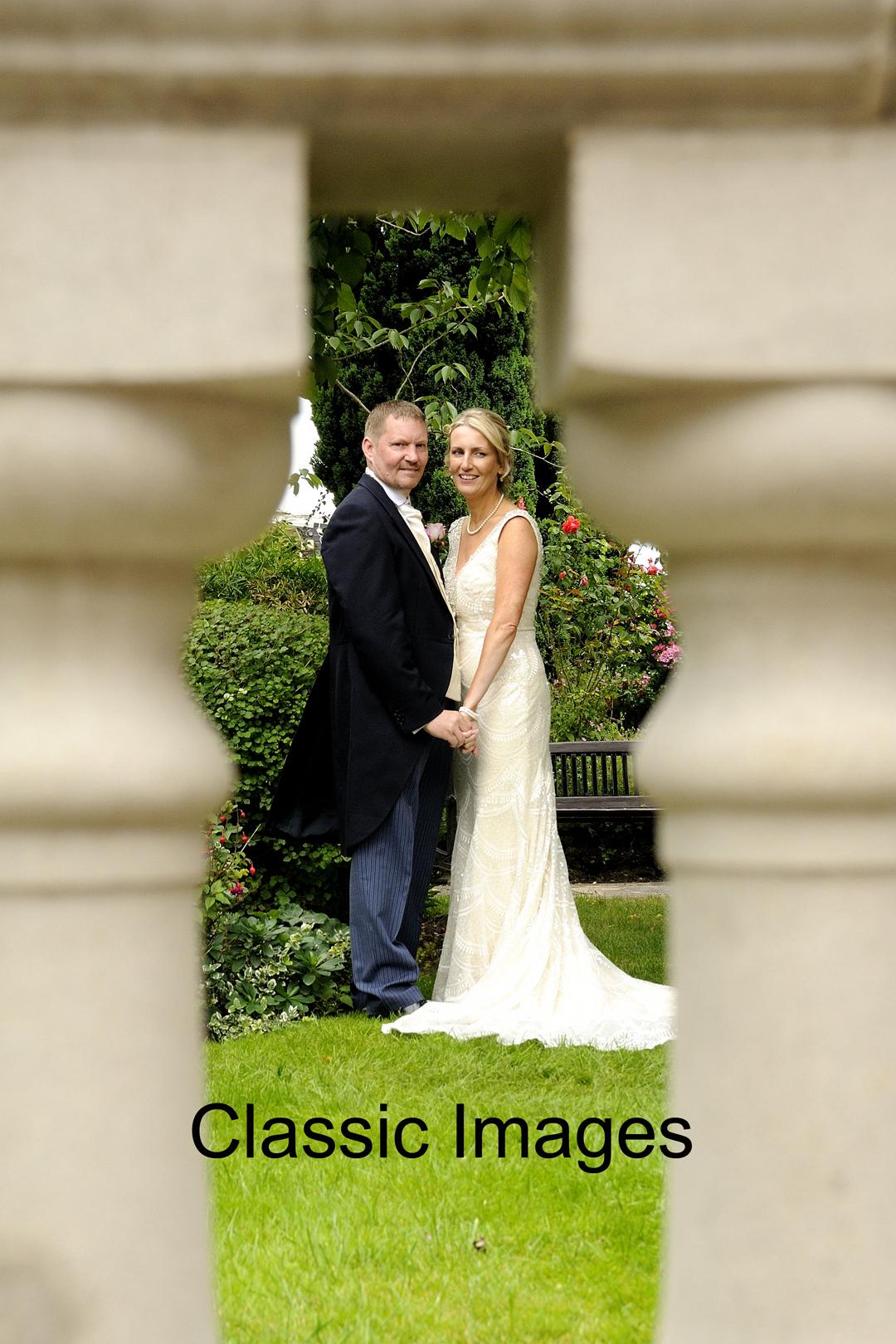 artistic-creative-fab-wedding-photograph-surrey