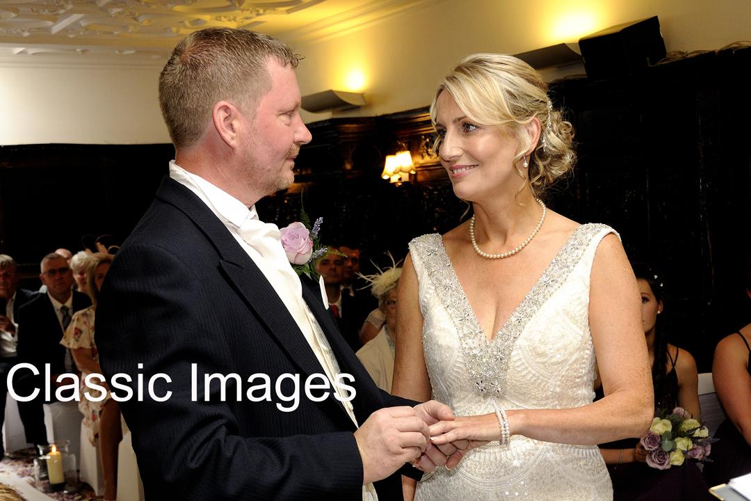 beautiful-wonderful-romantic-creative-wedding-photography-anchor-hotel-shepperton-church-square-classic-images