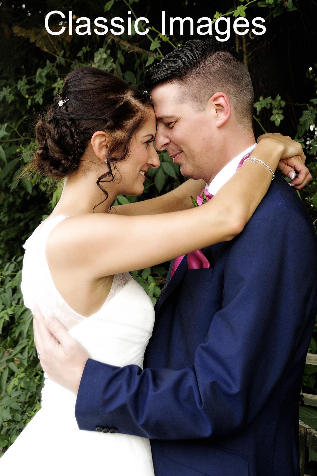 classic-cute-romantic-wedding-photograph