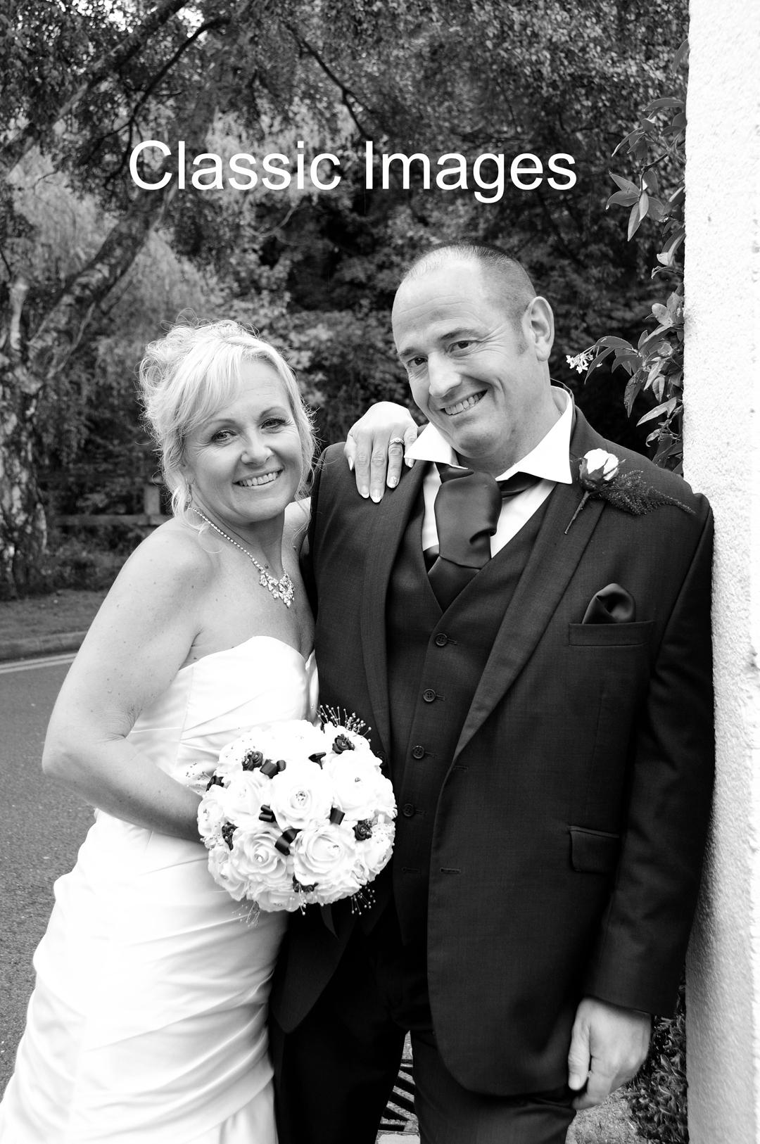creative-romantic-wedding-photo-classic-images-sunbury