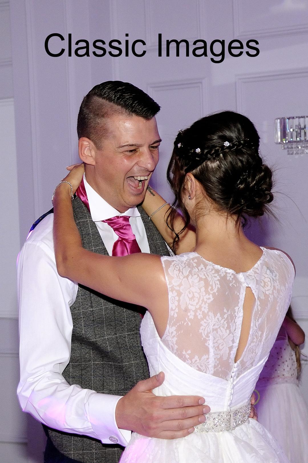 first-dance-wedding-photo-classic-images-sunbury-surrey