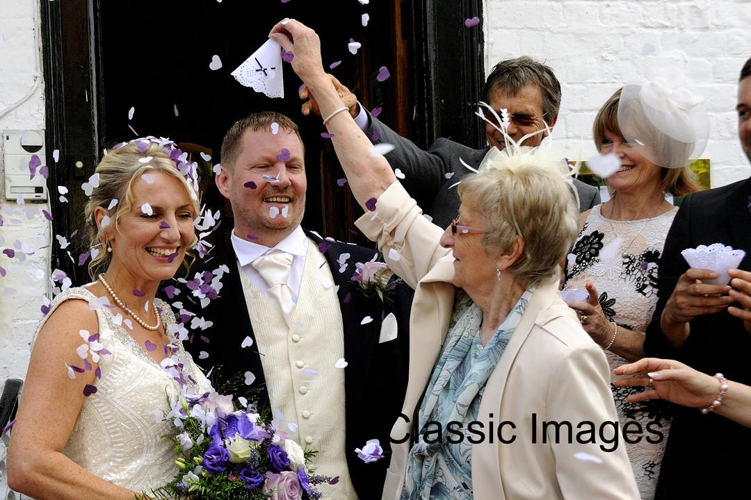 superb-confetti-photo-wedding-shepperton