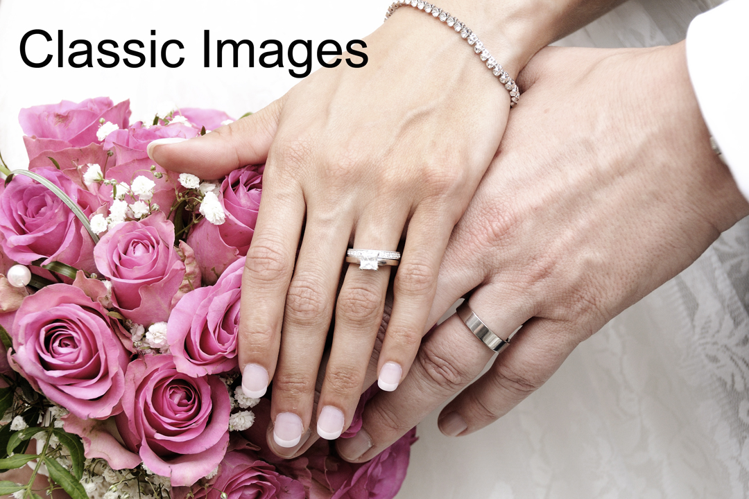 wedding-rings-bridal-bouquet
