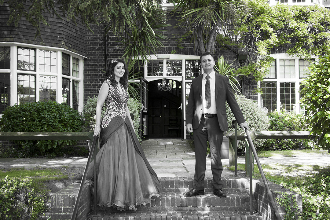 beautiful-wedding-photos-weybridge-register-office
