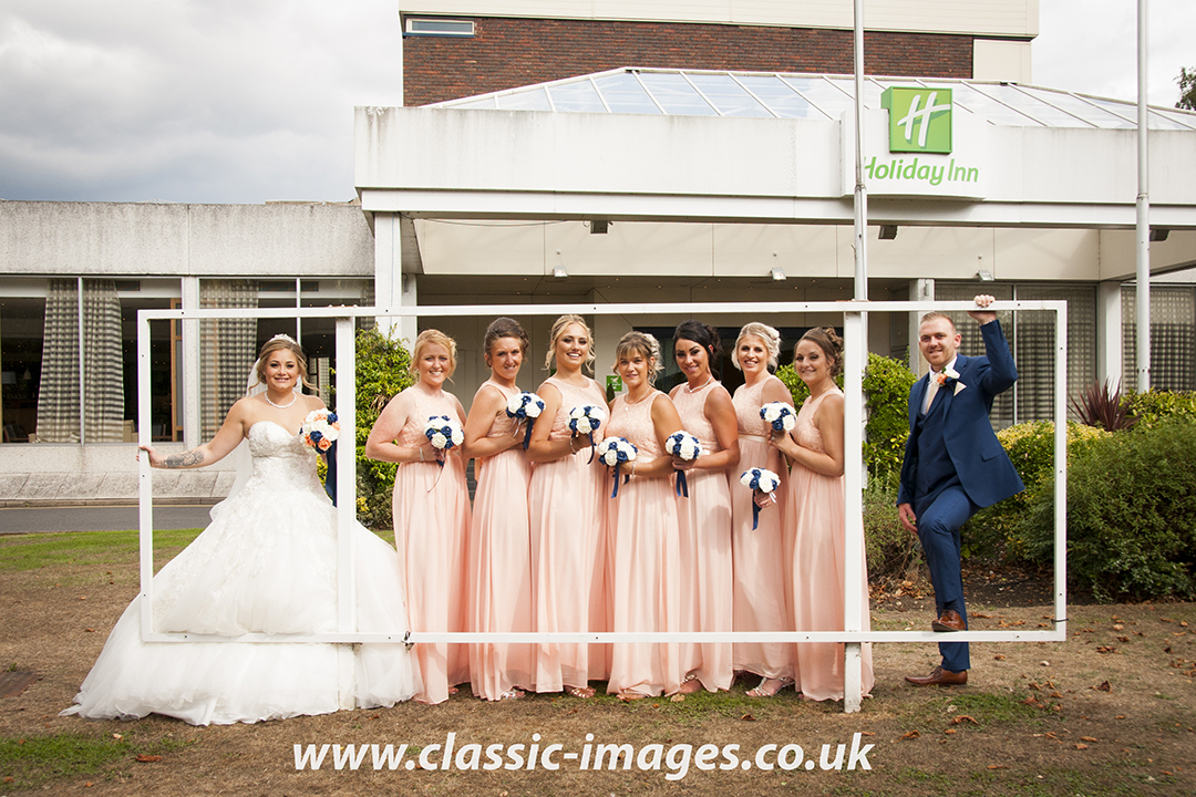 sunbury-wedding-group-photo